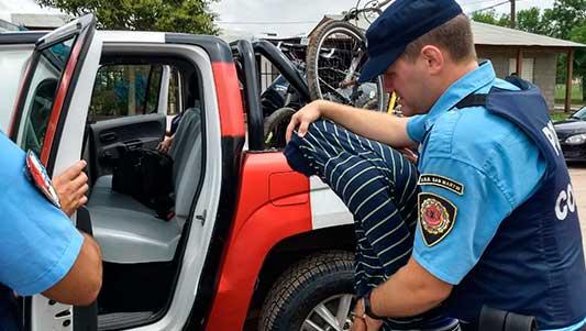 Motochorro detenido por robar la cartera a una mujer mayor