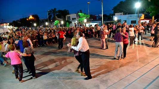 El tango homenajeó a Nelly Alvarado en la explanada