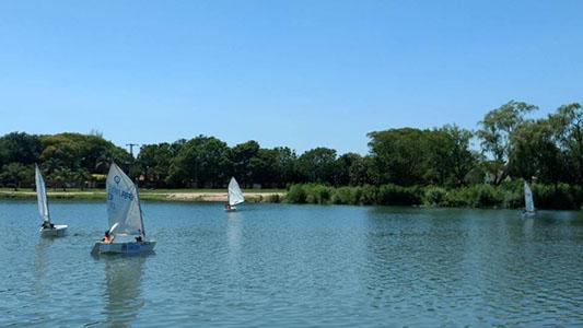 lago deportes nauticos