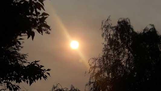¿Por qué amaneció tan anaranjado el Sol este jueves? ¿Qué anuncia?