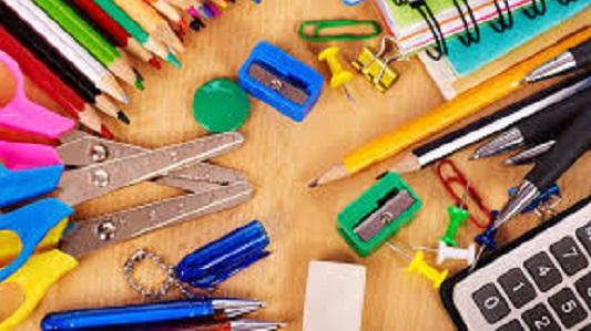 Campaña solidaria: recolectan útiles escolares para niños de la ciudad