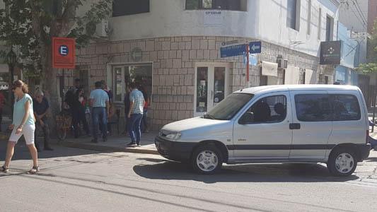 Choque en transitada esquina del centro dejó a una mujer lesionada