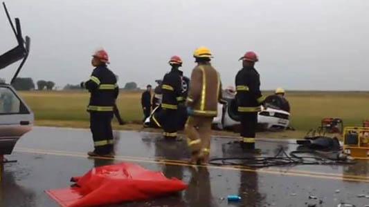 Fue operado y sigue grave uno de los jóvenes accidentado en ruta 6