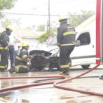 bomberos incendio auto (1)