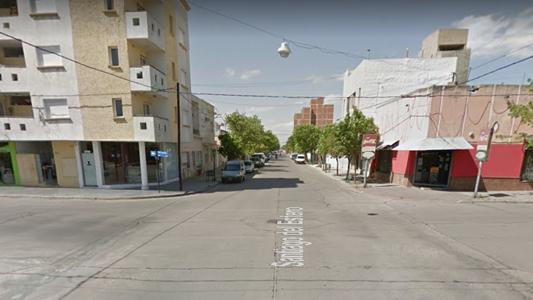 Motociclista chocó con dos camionetas en esquina céntrica
