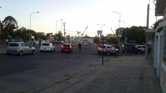 Desvíos en Sarmiento, Sobral y Mendoza por obras de desagüe