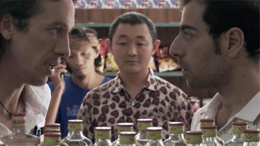De acá a la China: un argentino se va al otro país para abrir un supermercado y vengarse