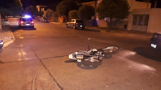moto choque esquina colombia y catamarca