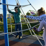 plaza juegos infantiles barrios