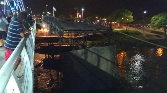 Así quedó derrumbado el puente: galería de fotos