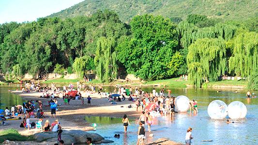 """El """"Veranón"""" cordobes sumó más de 3 millones de turistas en mes y medio"""
