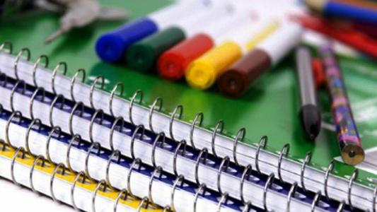 Recolectan lápices y cuadernos para comenzar el ciclo lectivo
