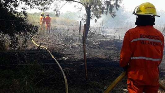 bomberos-villa-nueva-incendio-golf-(3)