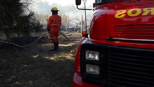 bomberos-villa-nueva-incendio-golf-(5)