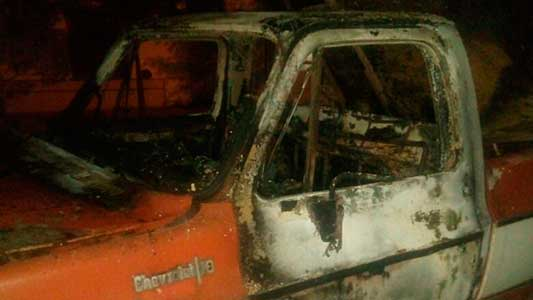 Segundo vehículo incendiado el fin de semana: ahora fue una chata vieja