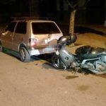 choque-moto-auto-estacionado