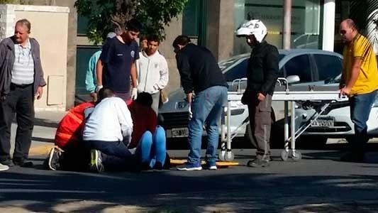 Dos motos involucradas en un choque de bulevar España