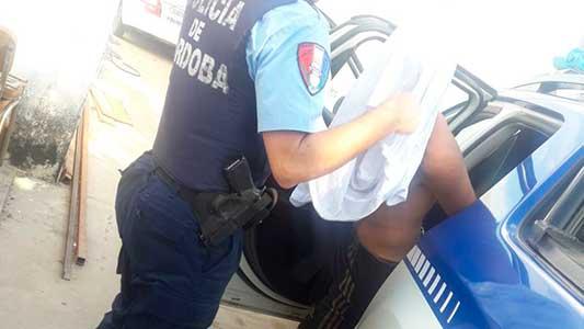 Atraparon a un arrebatador de carteras en barrio San Justo