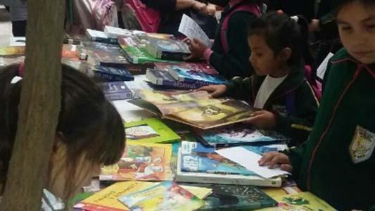 Certamen de educación otorga premios a proyectos que estimulen la lectura