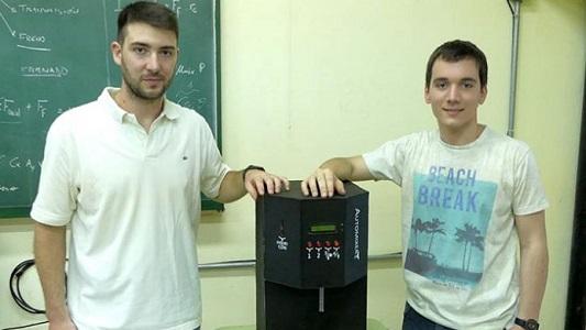 Cómo preparar el fernet ideal: dos estudiantes tienen la fórmula