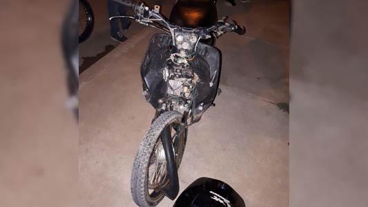 Jóvenes motociclistas chocaron en el Parque Norte