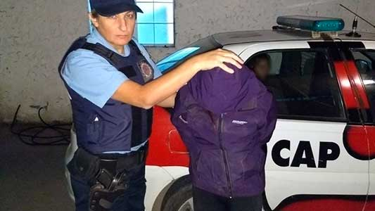 mujer-detenida-robo-plantas-1