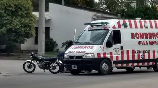 Motociclista se cayó y terminó en el Hospital