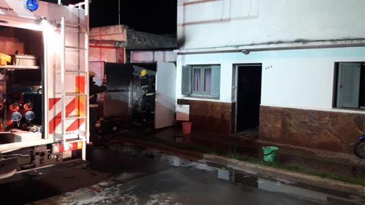 Se incendió una vivienda en Villa Nueva