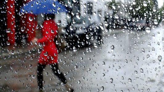 Se vienen cinco días de lluvia: Alertan por tiempo inestable hasta el martes