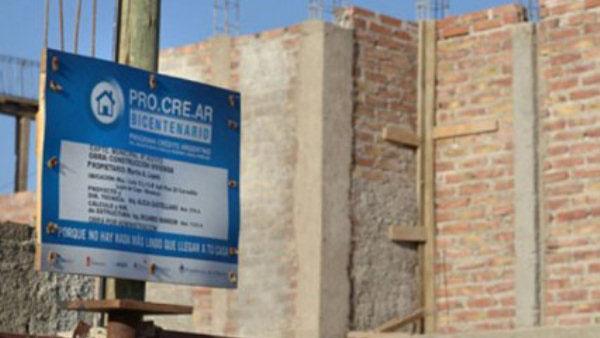 Vecinos beneficiados con el Procrear reclaman por sus terrenos