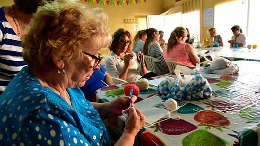 374 adultos aprenden y cuidan su salud en talleres municipales