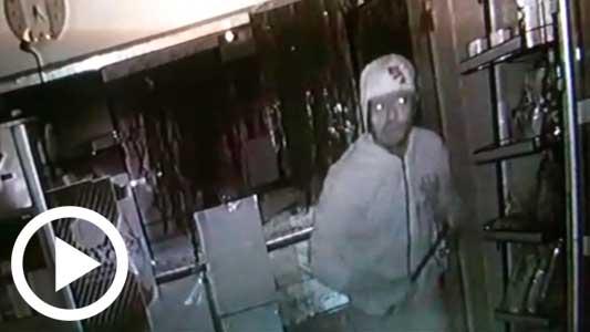 Video: Con reja y con alarma, igual entraron a robar en un kiosco