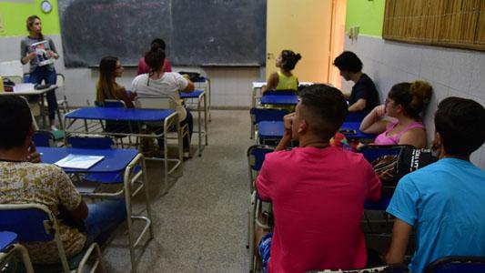 170 alumnos con apoyo escolar: La mayoría son varones y van por matemáticas