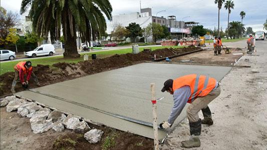 Realizan obras de bacheos y repavimentación en importantes avenidas