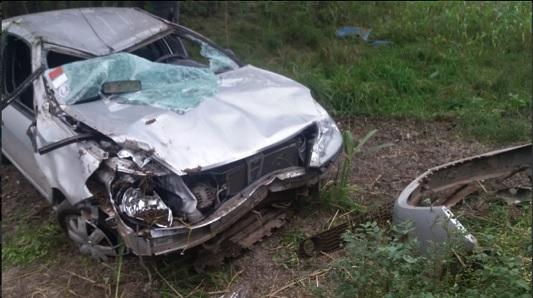 Tres heridos por el vuelco de un automóvil sobre ruta 158