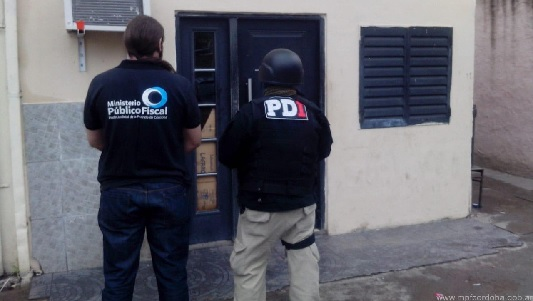 Detienen en Rosario a otros dos de los que estafaban con tarjetas robadas
