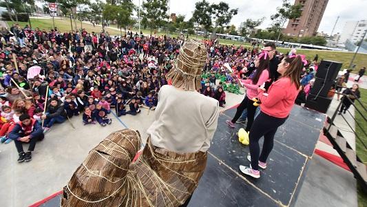 El martes cortan calle céntrica para que festejen los jardines de infantes