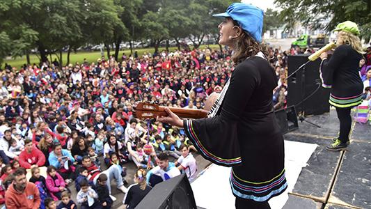 Más de 2 mil niños y niñas festejaron el día del jardín de infantes