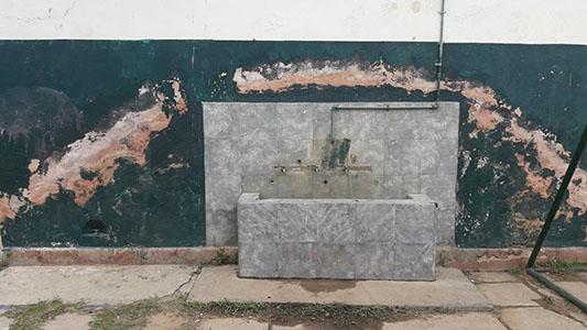 Alertaron sobre el estado del edificio donde funciona la Escuela Juana Manso