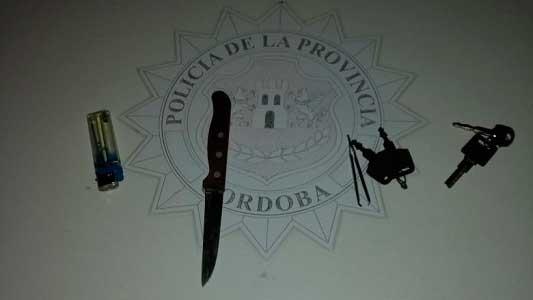 Otros 2 chicos atrapados robando nafta: le cortaron la manguera a una moto