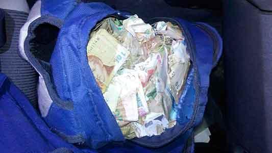 Escapaba con $ 62.000 en una mochila: dijo que se los encontró