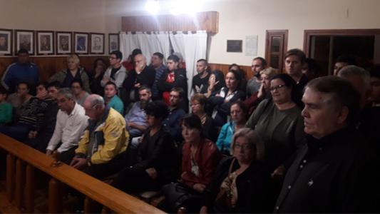 Villa Nueva: en una audiencia caldeada, se debatieron los pliegos para el basural