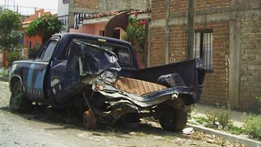 La calle como chacarita: a quién llamar si ves un auto abandonado