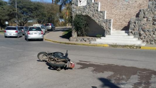 Zona complicada: otro motociclista accidentado en inmediaciones del Cristo