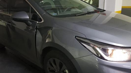 Atacaron el auto del presidente de EPEC cuando llegaba al Ministerio de Trabajo