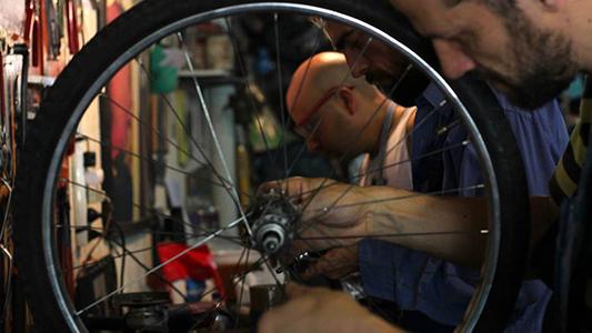 Dónde y cuándo podes aprender a arreglar tu propia bicicleta