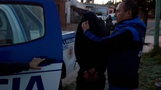 Detenidos por robar un celular con un arma de fuego