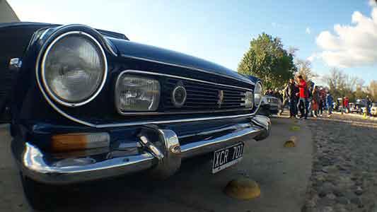 Volver al pasado: Así fue el encuentro de autos antiguos