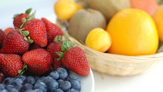 Con tablets, viajes y frutas buscan concientizar sobre consumo saludable en las escuelas