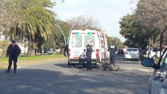 Joven motociclista con traumatismo de cráneo por un accidente
